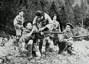 Résistants français, dans les alpes en 1944